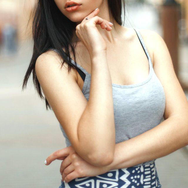 肩甲骨はがしに最適な菱形筋ストレッチ