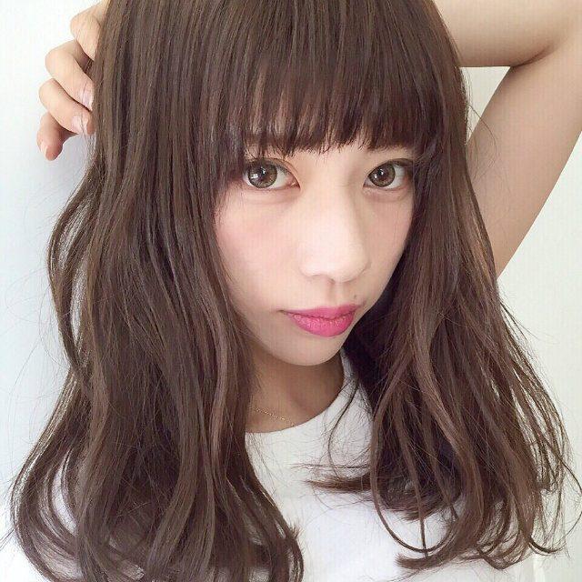 小顔演出のポイントは前髪の重さと長さにアリ