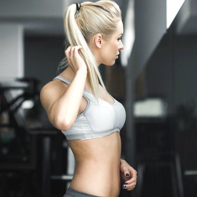 スタイル美人の体型キープの秘訣は食事にアリ