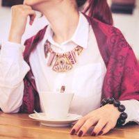 二重あご&首シワ予防に効く顎クイストレッチ