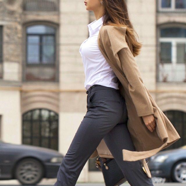 老け胸予防&姿勢改善に役立つ簡単1分習慣